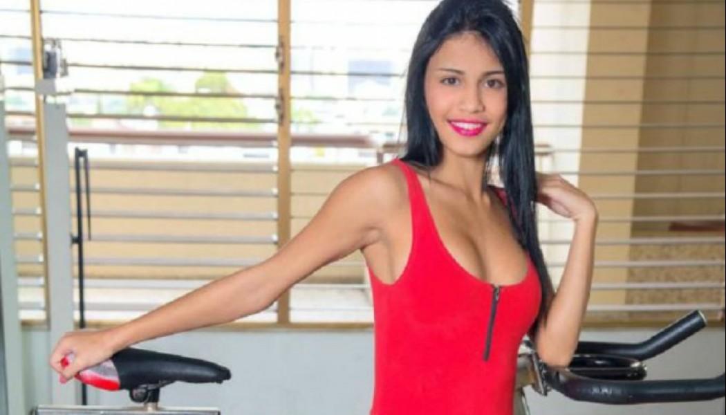 Petite-Latina-Denisse-Gomez-Stripping-Naked-In-Gym-Www -7285