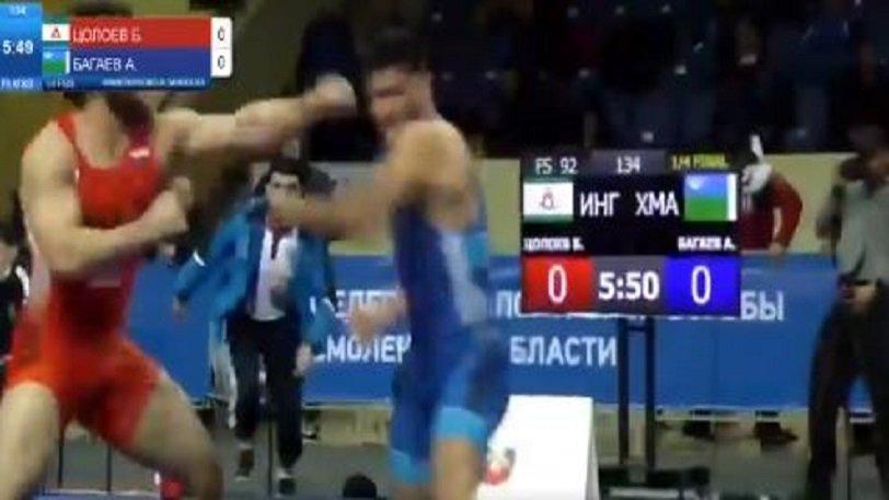 Αγώνας πάλης στη Ρωσία κατέληξε σε «μπουκέτα»! (vid)