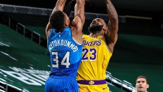 NBA: Υπόκλιση στον «βασιλιά»