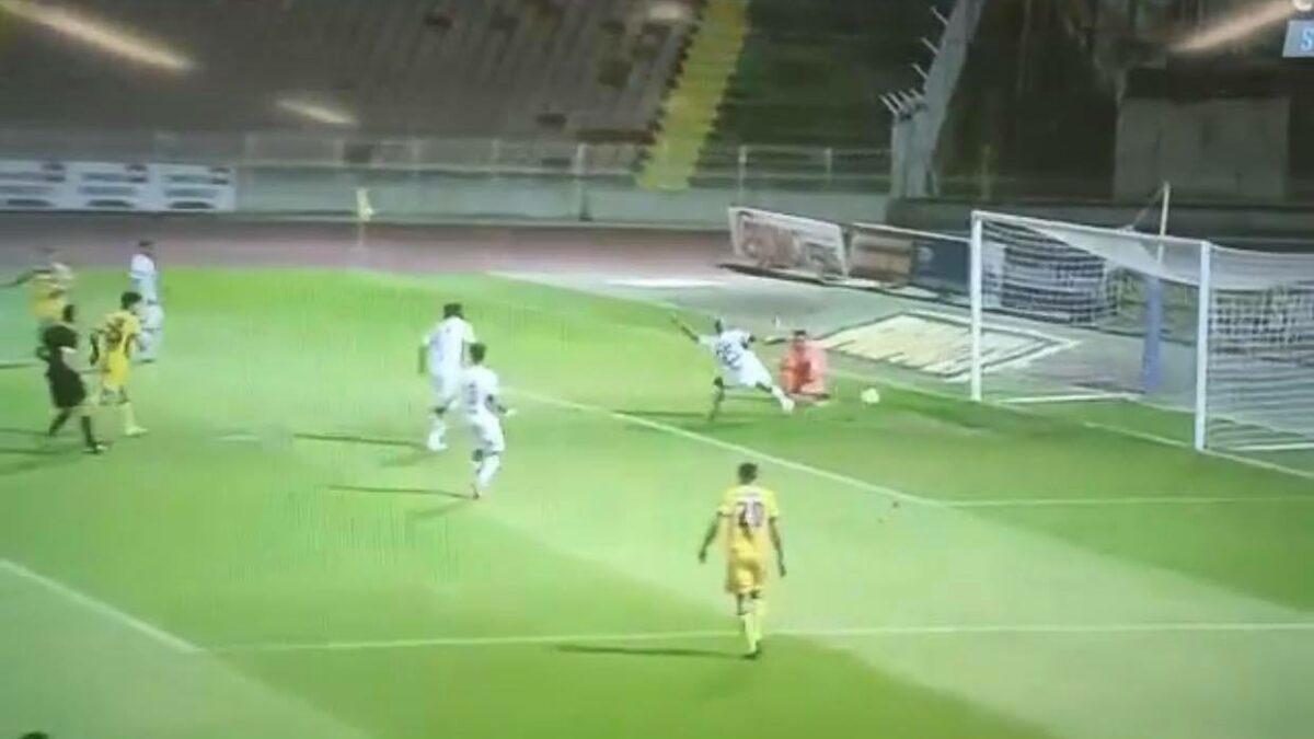 ΒΙΝΤΕΟ: Αυτογκόλ Γκολομπαρτ και 1-0 το ΑΠΟΕΛ!
