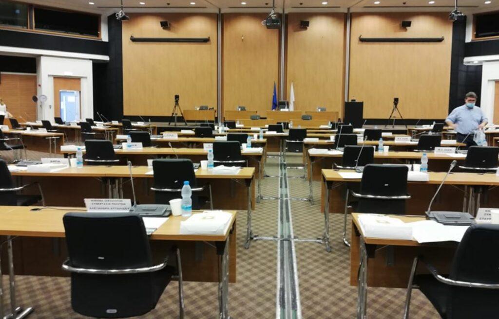 LIVE: Η εκλογή του νέου προέδρου της Βουλής