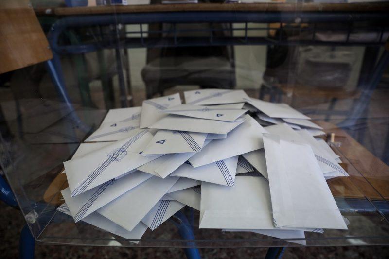 Τα αλλεπάλληλα ραντεβού υποψηφίων δημάρχων και πολιτικών αρχηγών