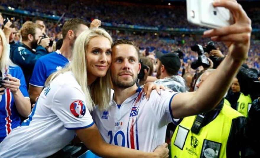 «Daily Mail»: Έφυγε από το σπίτι η γυναίκα του Σίγκουρντσον…