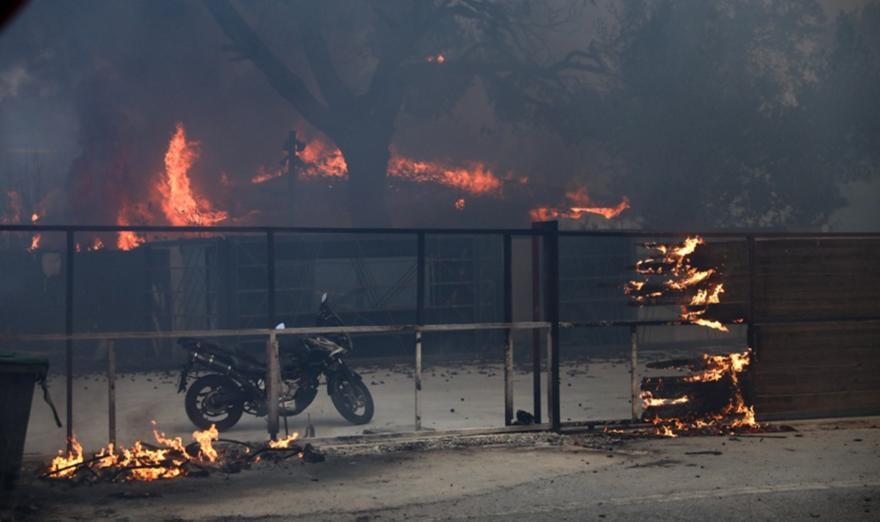 ΑΔΜΗΕ: Η φωτιά στη Βαρυμπόμπη δεν ξεκίνησε από έκρηξη μετασχηματιστή!